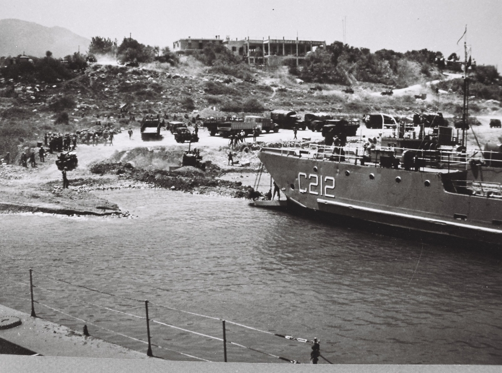 MSB'den Kıbrıs Barış Harekatı'nın tarihi fotoğrafları galerisi resim 4