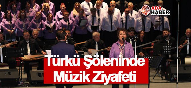 Mağusa'da Türkü Şöleninde Müzik Ziyafeti
