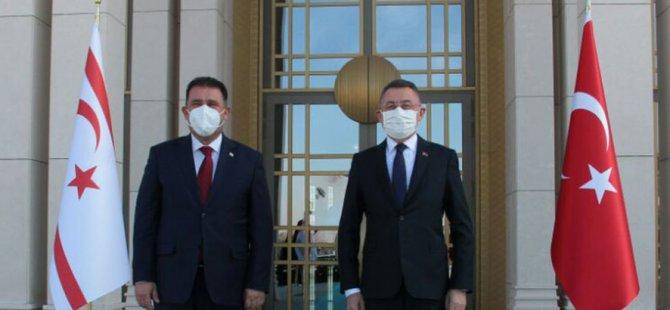 Başbakan Saner Fuat Oktay'la görüştü