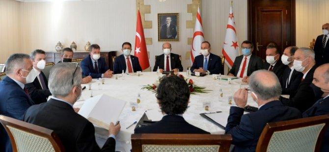 Tatar ve Çavuşoğlu, siyasi parti temsilcileri ile bir araya geldi