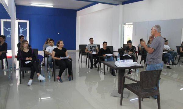 Kıbrıs İlim Üniversitesinde tiyatro çalışmaları devam ediyor