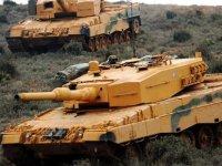 Yunan basını: Türk tankları Kıbrıs'a çıktı!