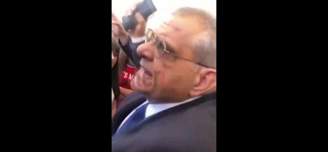 Rektör zamları protesto eden öğrencilerin üzerine yürüdü